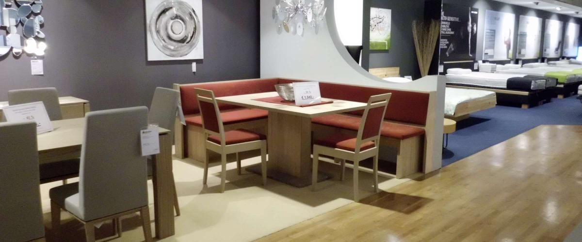 Eckbank mit Tisch und Stühle Angebote Möbelhaus Wallnöfer