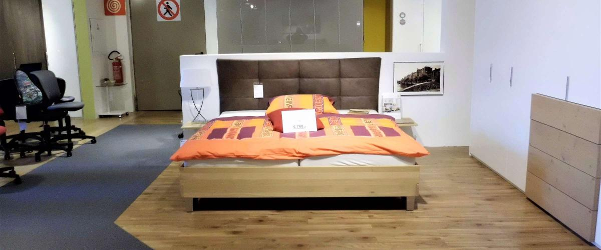 Bett Angebot massiv Naturns